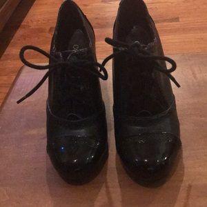 Women's shoes size 9 W